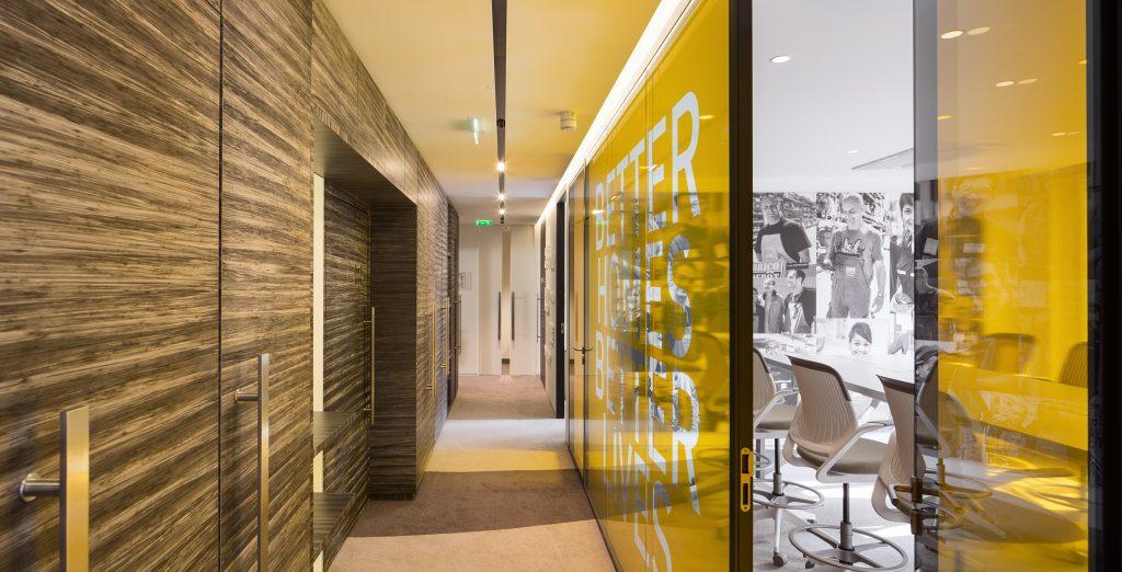 Corporate Office Champs Elysées
